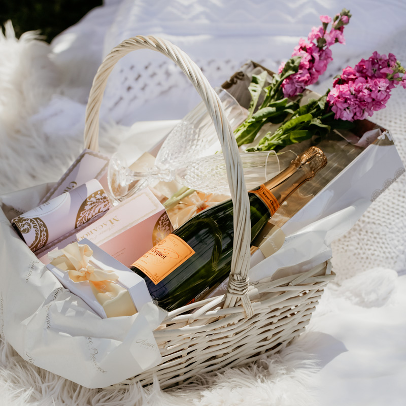 high tea picnic hamper